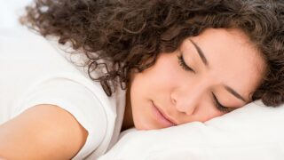 I migliori materassi per chi dorme nello stomaco